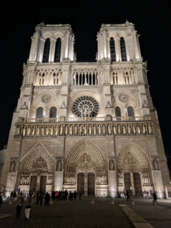 An evening stroll outside of Notre Dame. Any time you need an affirmation that everything is going to be ok when moving to Paris, just wander its streets and see its beautiful sites.